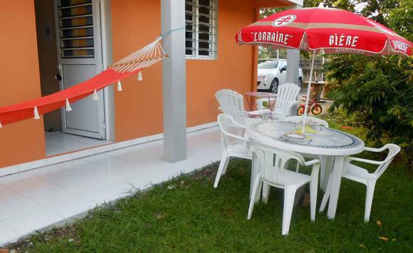 appartement F3 meublé rez de jardin à Sainte-Anne - 450 ...