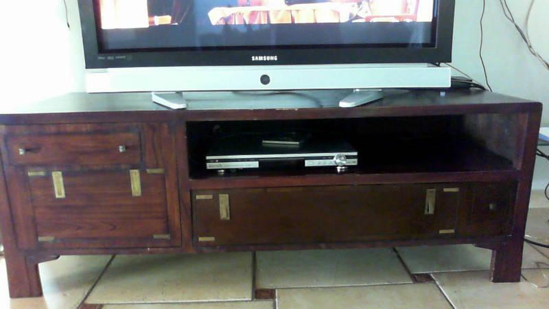 meuble tv maison coloniale annonce meubles et d coration saint martin cyphoma. Black Bedroom Furniture Sets. Home Design Ideas