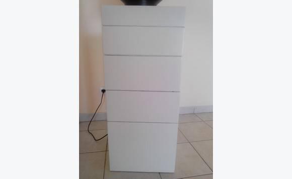 colonne a tiroirs blanc laque brillant annonce meubles et d coration les trois lets martinique. Black Bedroom Furniture Sets. Home Design Ideas