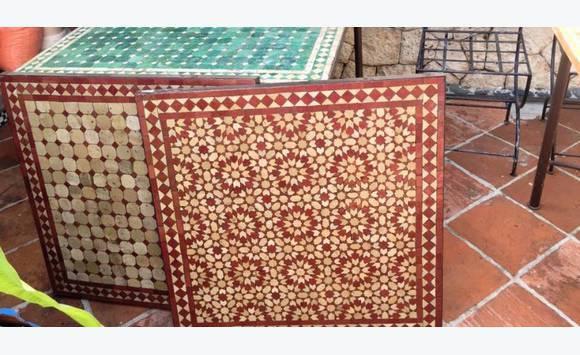 table en zellige du marrakech et chaise fer forg annonce vide maison marigot saint martin. Black Bedroom Furniture Sets. Home Design Ideas