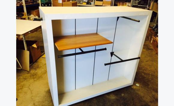 meuble roulette pour boutique de pr t porter annonce meubles et d coration hope estate. Black Bedroom Furniture Sets. Home Design Ideas