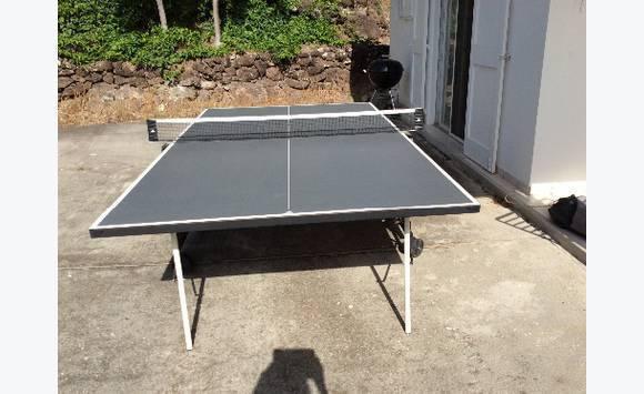 table de ping pong annonce sports hobbies saint. Black Bedroom Furniture Sets. Home Design Ideas