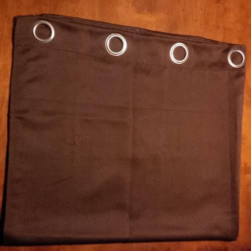 rideaux occultants chocolat annonce meubles et. Black Bedroom Furniture Sets. Home Design Ideas