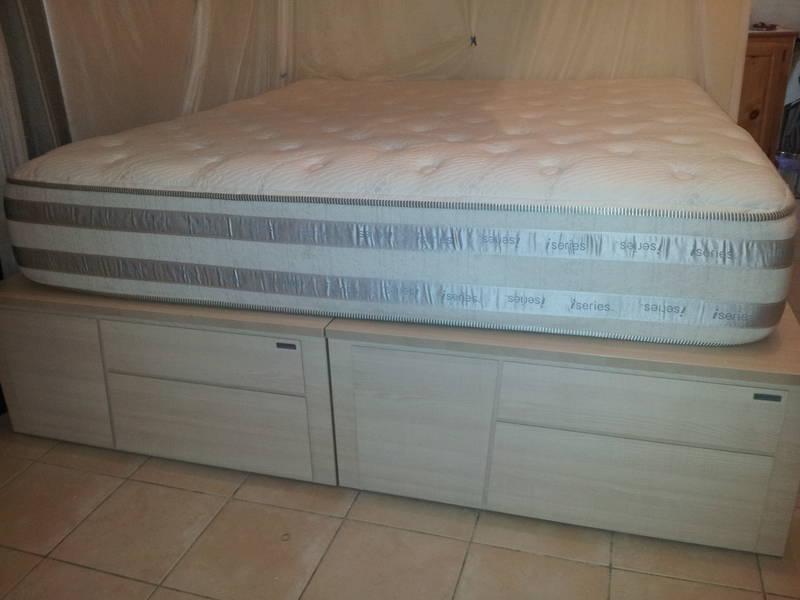 sommier et matelas king size us annonce meubles et d coration saint louis saint martin. Black Bedroom Furniture Sets. Home Design Ideas