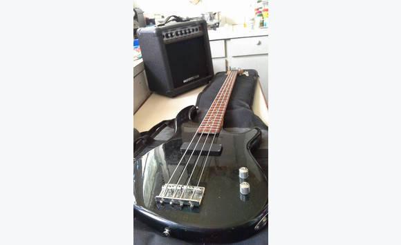 guitare basse housse ampli annonce image son cul de sac saint martin cyphoma. Black Bedroom Furniture Sets. Home Design Ideas
