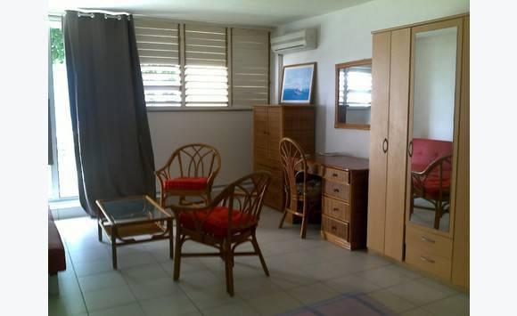 studio meuble annonce locations appartement marigot saint martin. Black Bedroom Furniture Sets. Home Design Ideas
