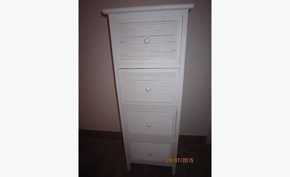 Petite commode blanche de 93 cm de hauteur - Annonce - Meubles et ...