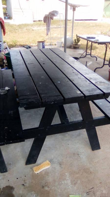 Table annonce mobilier et quipement d 39 ext rieur guyane for Equipement exterieur