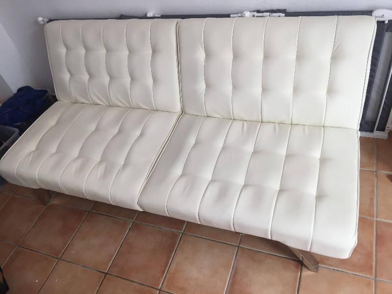 Canap blanc annonce meubles et d coration parc de la for Canape orientale