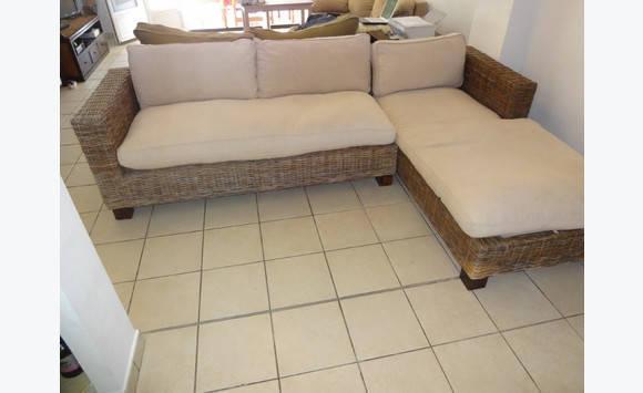 canap d 39 angle osier annonce meubles et d coration saint martin. Black Bedroom Furniture Sets. Home Design Ideas