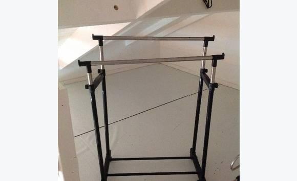 portant vetement annonce meubles et d coration saint martin cyphoma. Black Bedroom Furniture Sets. Home Design Ideas