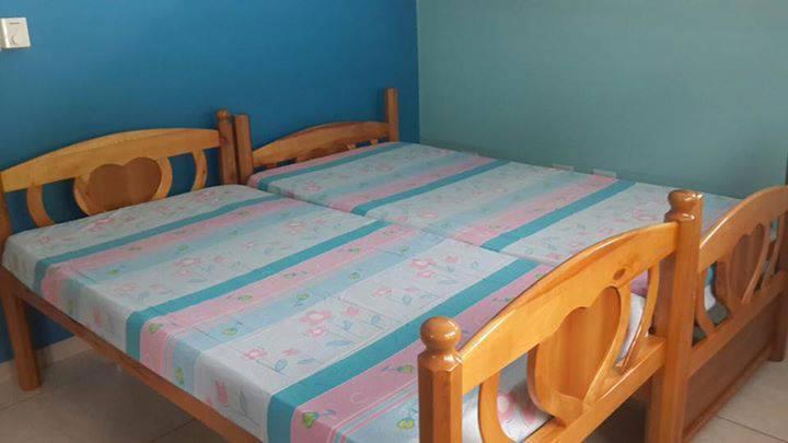 lit superpos annonce meubles et d coration philipsburg sint maarten. Black Bedroom Furniture Sets. Home Design Ideas