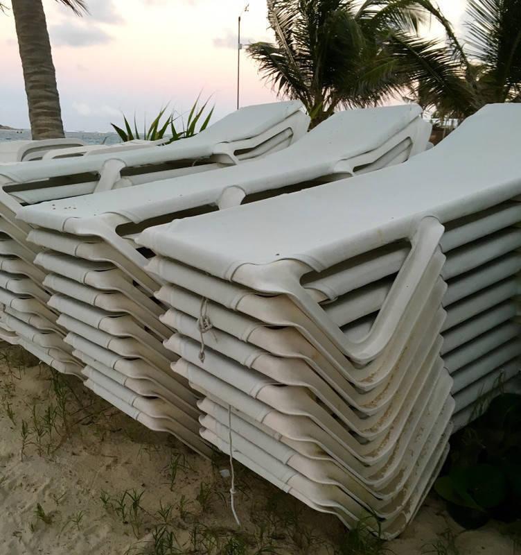 lot de transat de plage annonce mobilier et quipement d 39 ext rieur saint martin. Black Bedroom Furniture Sets. Home Design Ideas