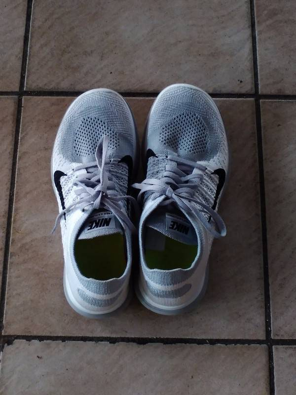 NIKE FREE shoes 4. 0 FlyKnit (size 40) - Shoes Saint Martin • Cyphoma 1955f986fd3e