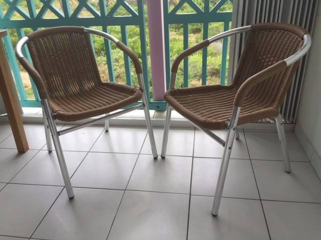 Fauteuils fils spaghetti annonce mobilier et for Equipement exterieur