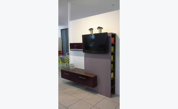 meuble tv annonce meubles et d coration saint martin. Black Bedroom Furniture Sets. Home Design Ideas