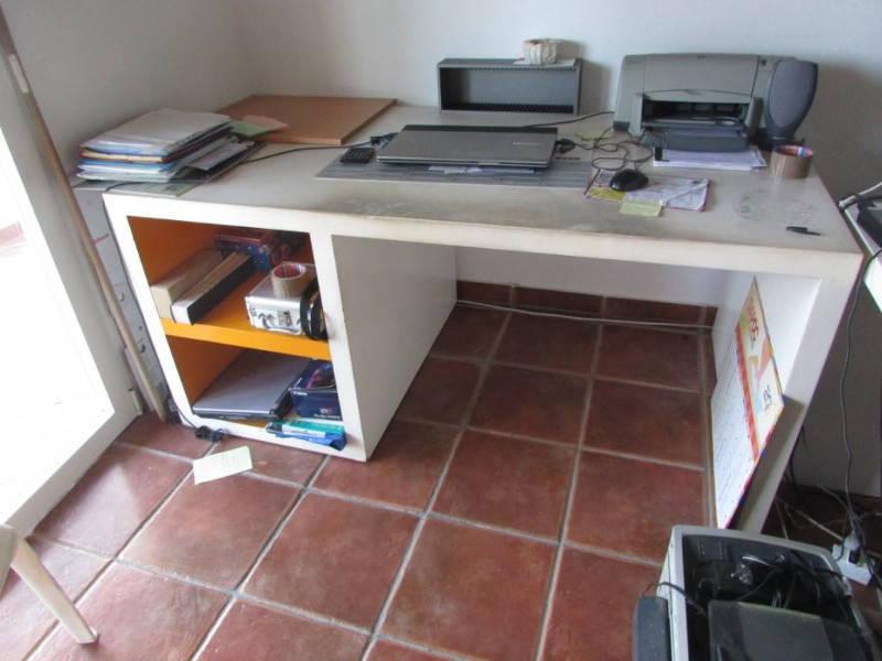 Bureau moderne massif annonce meubles et d coration for Ameublement bureau moderne