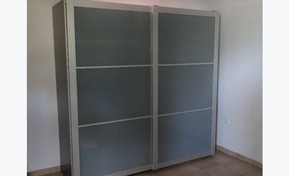 armoire ikea 200x200 annonce meubles et d coration hope estate saint martin cyphoma. Black Bedroom Furniture Sets. Home Design Ideas