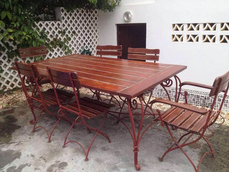 Ensemble table et chaises de jardin annonce mobilier for Table exterieur orientale