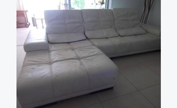 Grand canapé cuir blanc bradé départ Annonce Meubles et