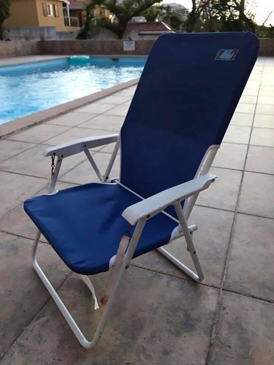 chaises de plage annonce mobilier et quipement d 39 ext rieur sint maarten. Black Bedroom Furniture Sets. Home Design Ideas