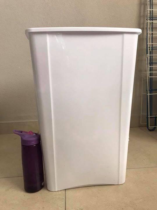 Bin poubelle annonce mobilier et quipement d for Equipement exterieur