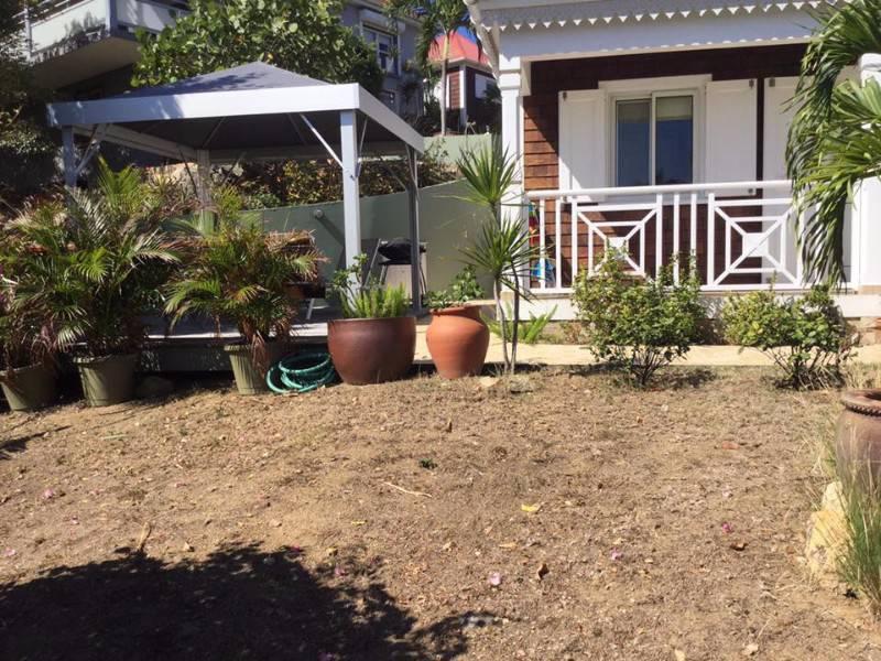 Abris et meubles de jardins annonce offre services for Jardins et services