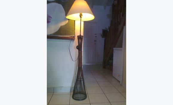 miroir encadrement bois exotique lampadaire annonce meubles et d coration saint martin. Black Bedroom Furniture Sets. Home Design Ideas