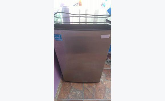 Petit frigo avec compartiment cong lateur annonce - Petit frigo avec congelateur ...