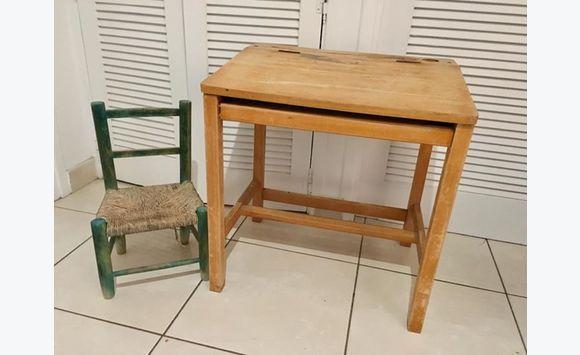 Bureau enfant en bois et petite chaise meubles et décoration