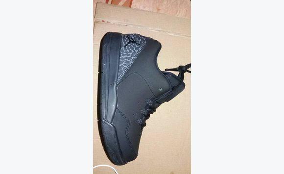 nouveau style d8341 0d0b6 chaussures pour enfant jordan taille 27