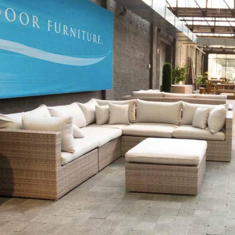 Salon complet d 39 ext rieur mobilier et quipement d for Equipement exterieur