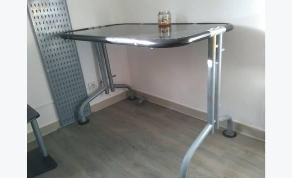 bureau metal et verre securit annonce meubles et d coration parc de la baie orientale saint. Black Bedroom Furniture Sets. Home Design Ideas