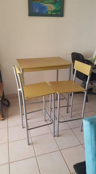 Table basse tapis bureau ensemble table chaises Annonce