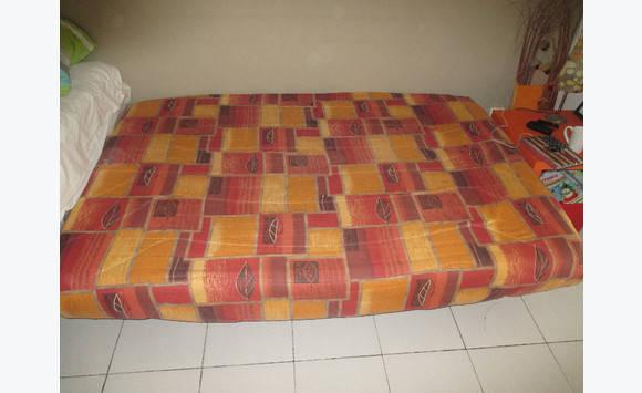 canape clic clac bon etat annonce meubles et d coration mont vernon saint martin. Black Bedroom Furniture Sets. Home Design Ideas