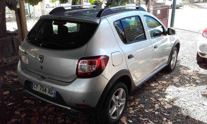 dacia sandero stepway dci 90 2013 81400km voitures martinique cyphoma. Black Bedroom Furniture Sets. Home Design Ideas