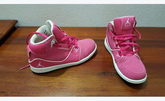 Marvelous Girlu0027s Air Jordans (size 3)