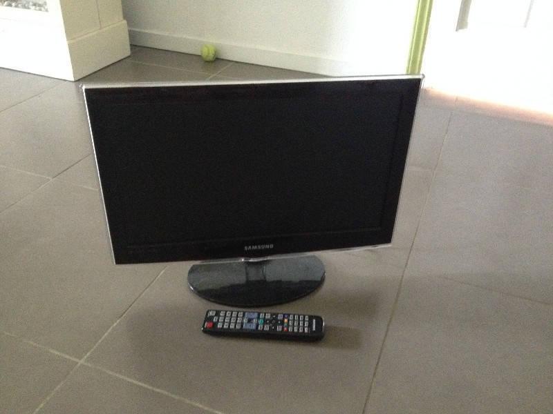 Fonkelnieuw Samsung 50cm TV - Images - Sound Saint Martin • Cyphoma ZJ-02