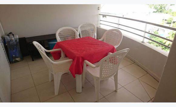 Ensemble Table Chaises Plastique