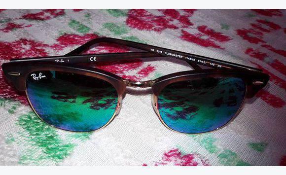 fbc1ac8483 2 paires de lunettes de soleil de marqué ray ban - Bijoux - Montres ...