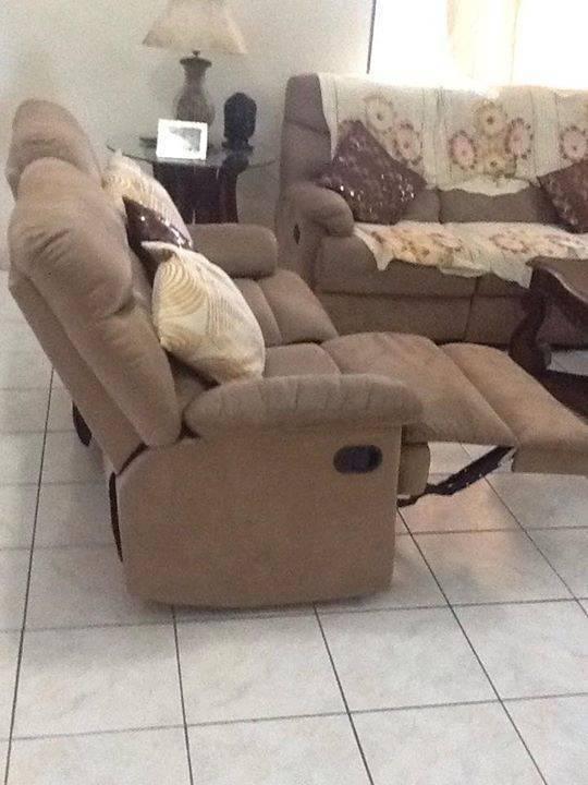... 3 Piece Sofa Set With Leg Rest Sint Maarten
