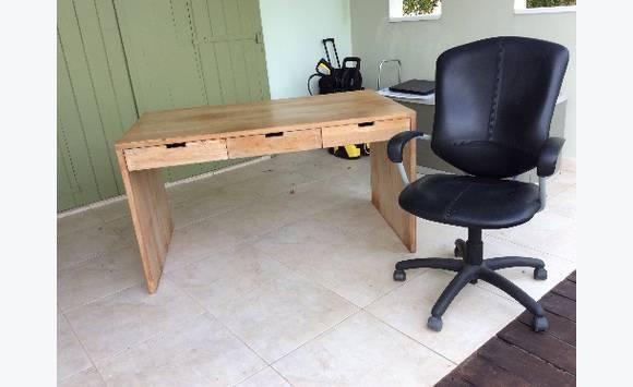 Bureau teck 140lx80lx78h chaise de bureau meubles et décoration