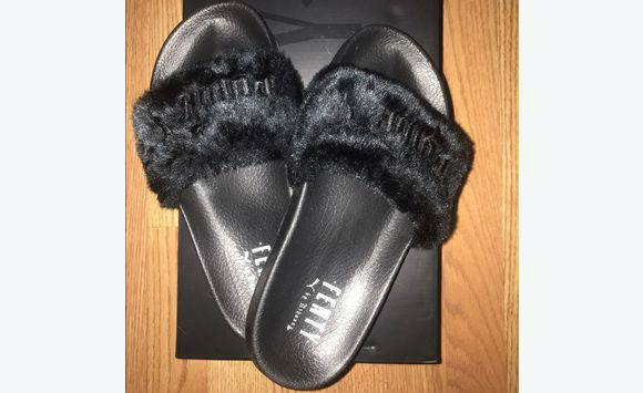 premium selection 9312e 0cb98 Rihanna puma slippers