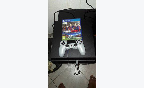 ps4 couteurs pess 2017 annonce consoles jeux vid o guyane. Black Bedroom Furniture Sets. Home Design Ideas