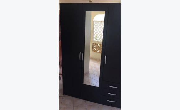 meubles annonce meubles et d coration sint maarten. Black Bedroom Furniture Sets. Home Design Ideas