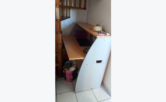 Bureau comptoir professionnel annonce meubles et for Meuble bureau 974