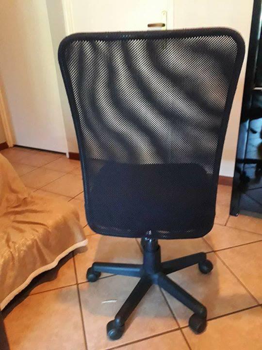 Chaise de bureau annonce meubles et d coration saint for Meuble bureau 974