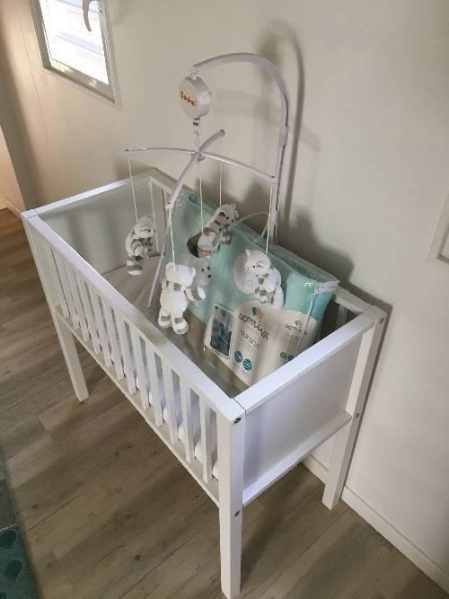 berceau mobile tour de lit pu riculture equipement b b saint martin cyphoma. Black Bedroom Furniture Sets. Home Design Ideas
