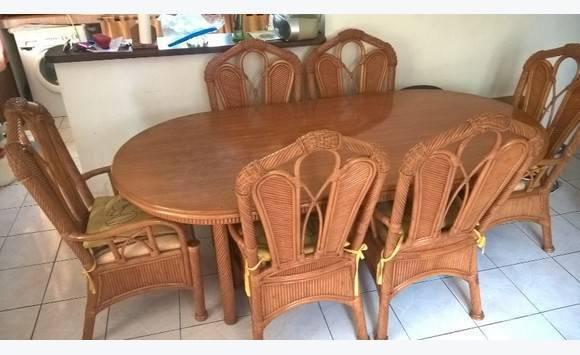 Table et chaises en rotin annonce meubles et for Chaise et table en rotin