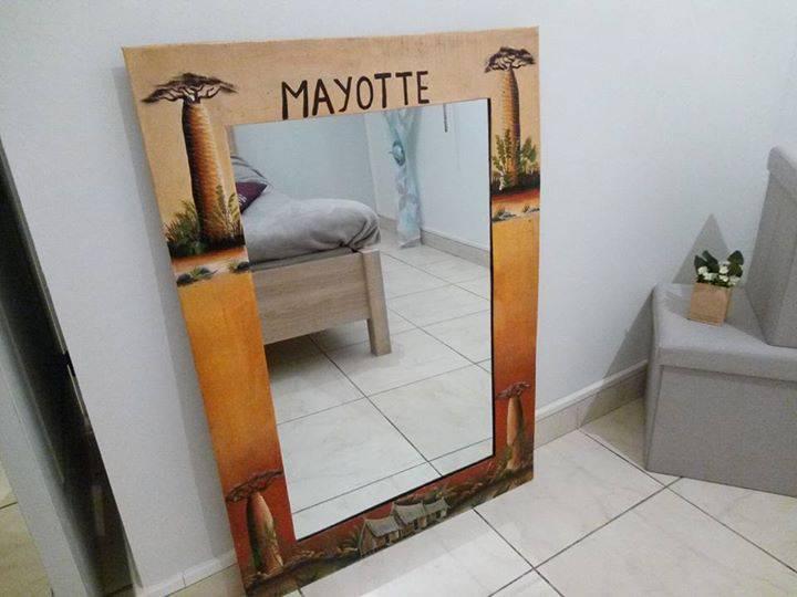 Grand miroir annonce meubles et d coration koungou mayotte for Recherche grand miroir